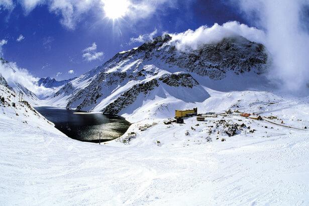 Esquiar no Ski Portillo no Chile