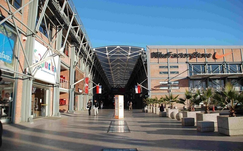 Easton Outlet Mall em Santiago do Chile