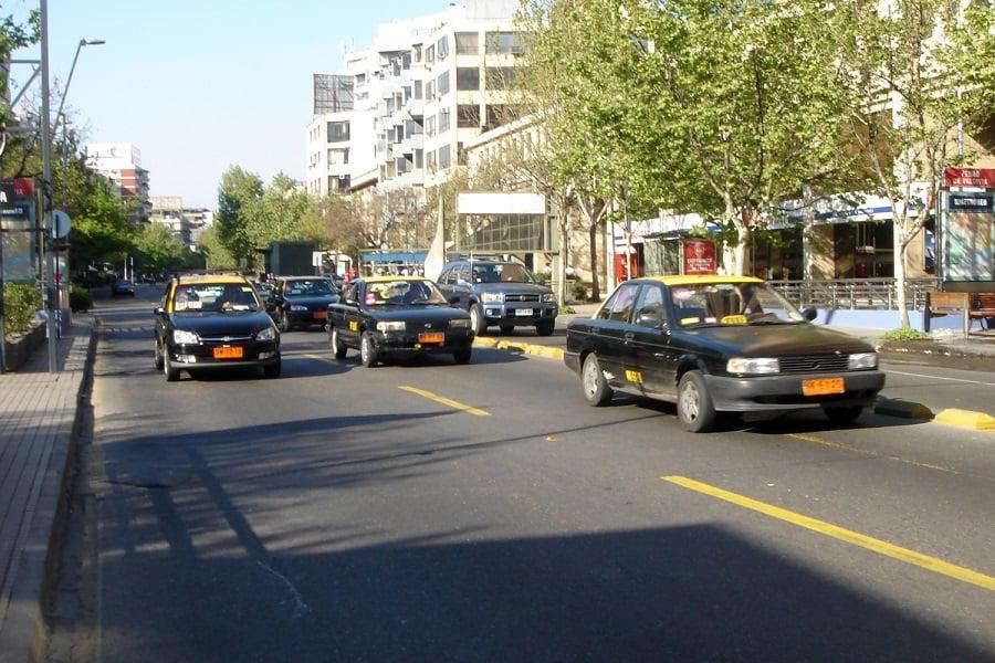 Como ir de táxi do Aeroporto Internacional Comodoro Arturo Merino Benítez até o centro de Santiago do Chile