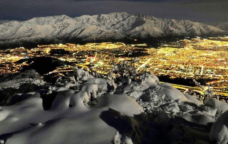 Noite com neve no Chile