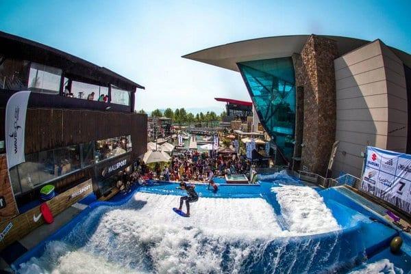 Shopping Mall Sport no Verão em Santiago do Chile
