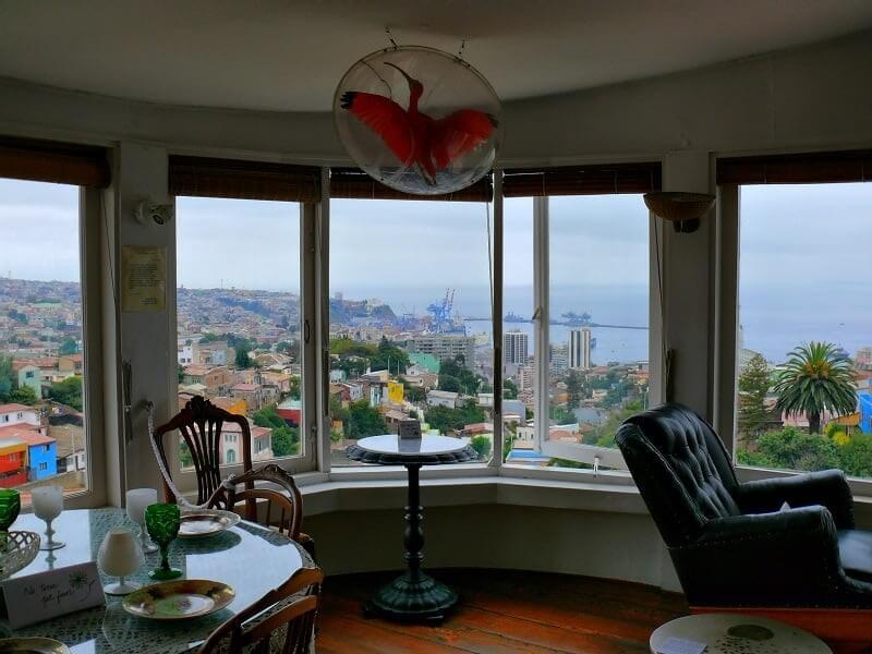 Interior da Casa la Sebastiana em Valparaíso
