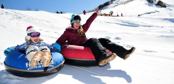 Pistas e atrações na estação de esqui Farellones