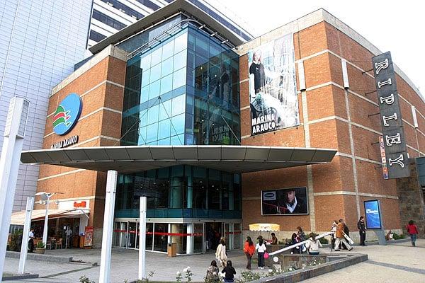 Compras no Shopping Mall Marina Arauco em Viña del Mar