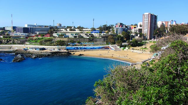 Praia Las Torpederas em Valparaíso