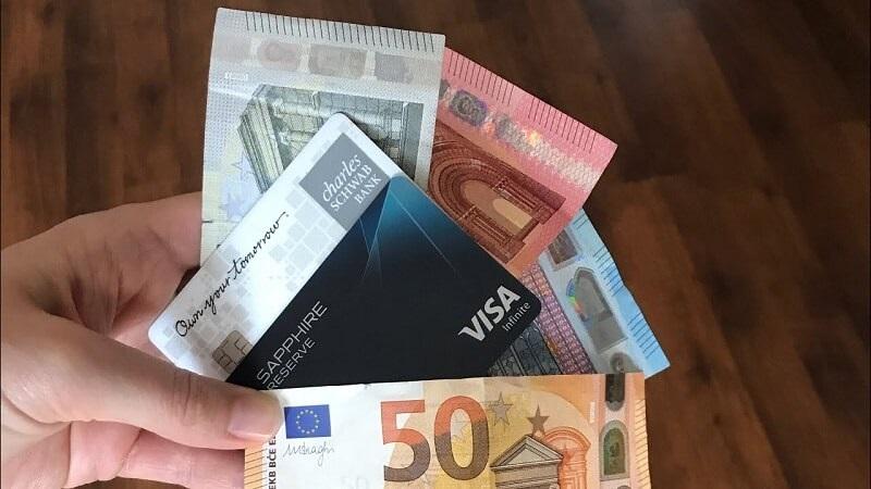 Dinheiro e cartões para viagem ao Chile