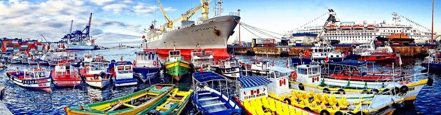 Andar de barco no verão em Valparaíso