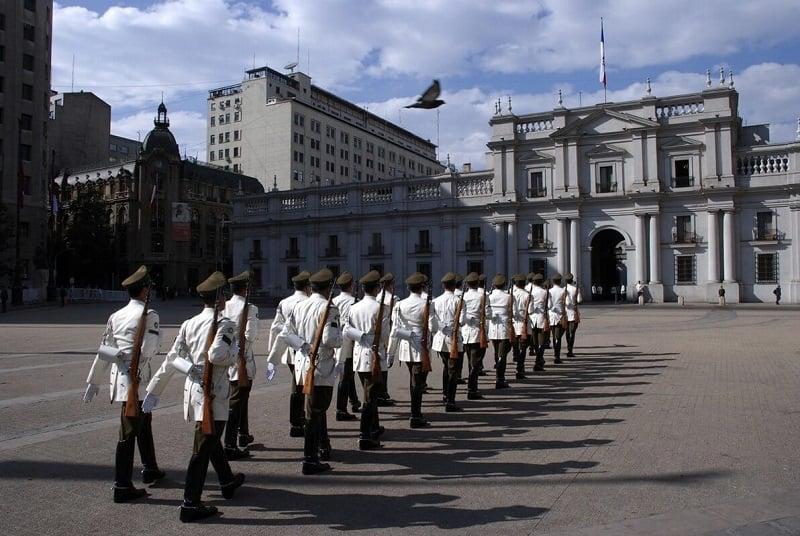 Conhecer o Palácio de La Moneda em Santiago no mês de novembro
