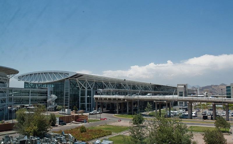 Estacionamento no aeroporto de Santiago