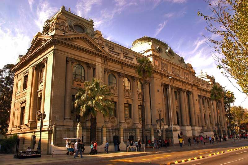Passeio gratuito pelo Museu Nacional de Belas Artes