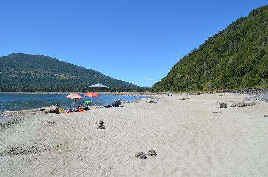 Playa Blanca no Lago Caburgua em Pucón
