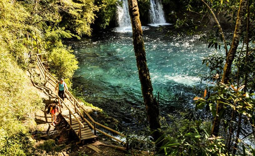 Trilhas da Cachoeira Ojos del Caburgua em Pucón