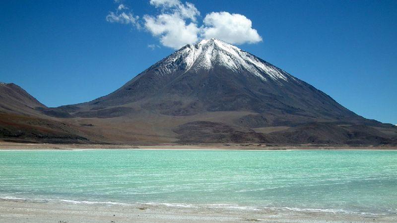 Passeio no vulcão Licancabur no Chile