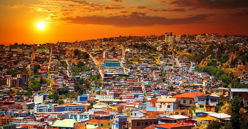 Valparaíso com pôr do sol - Chile
