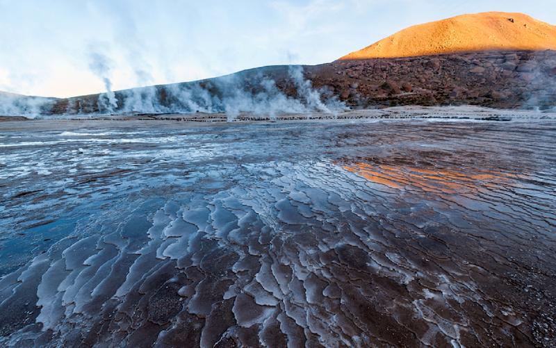 Geyser del Tatio em San Pedro de Atacama no Chile: paisagem